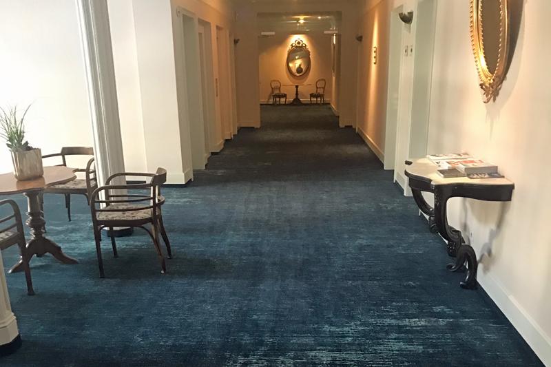 Bodenbeläge aus Textilien auf Hoteletage
