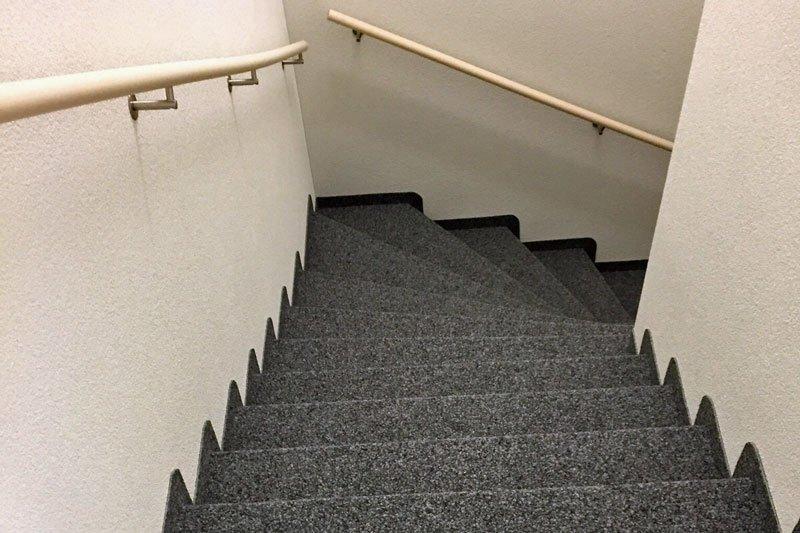 Treppenaufgang in Kugelgarn